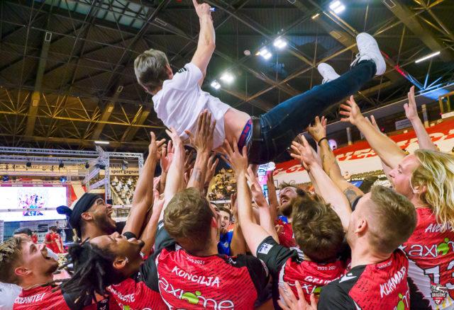 RENVERSANT: Les Dragons Champions de France